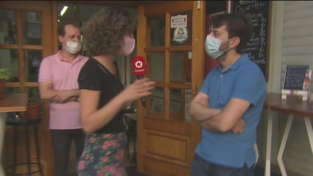 Un vecino, harto del ruido, tira lejía a los clientes de un bar en Vicálvaro y hiere a dos personas
