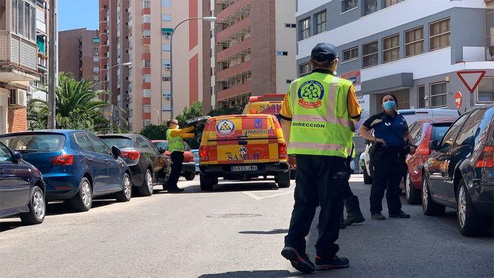 Herido muy grave al caer desde un cuarto piso mientras limpiaba los cristales en Ciudad Lineal