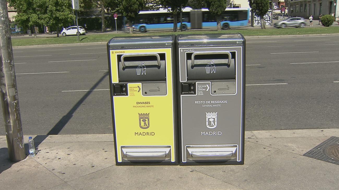 Madrid ya tiene papeleras inteligentes, con energía solar y capaces de compactar la basura