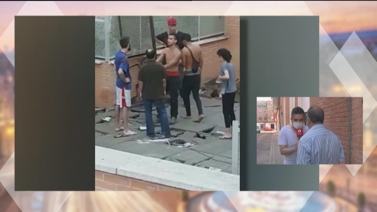 Peleas, drogas, robos, orines y basura desatan el infierno en dos edificios 'okupados' en Carabanchel