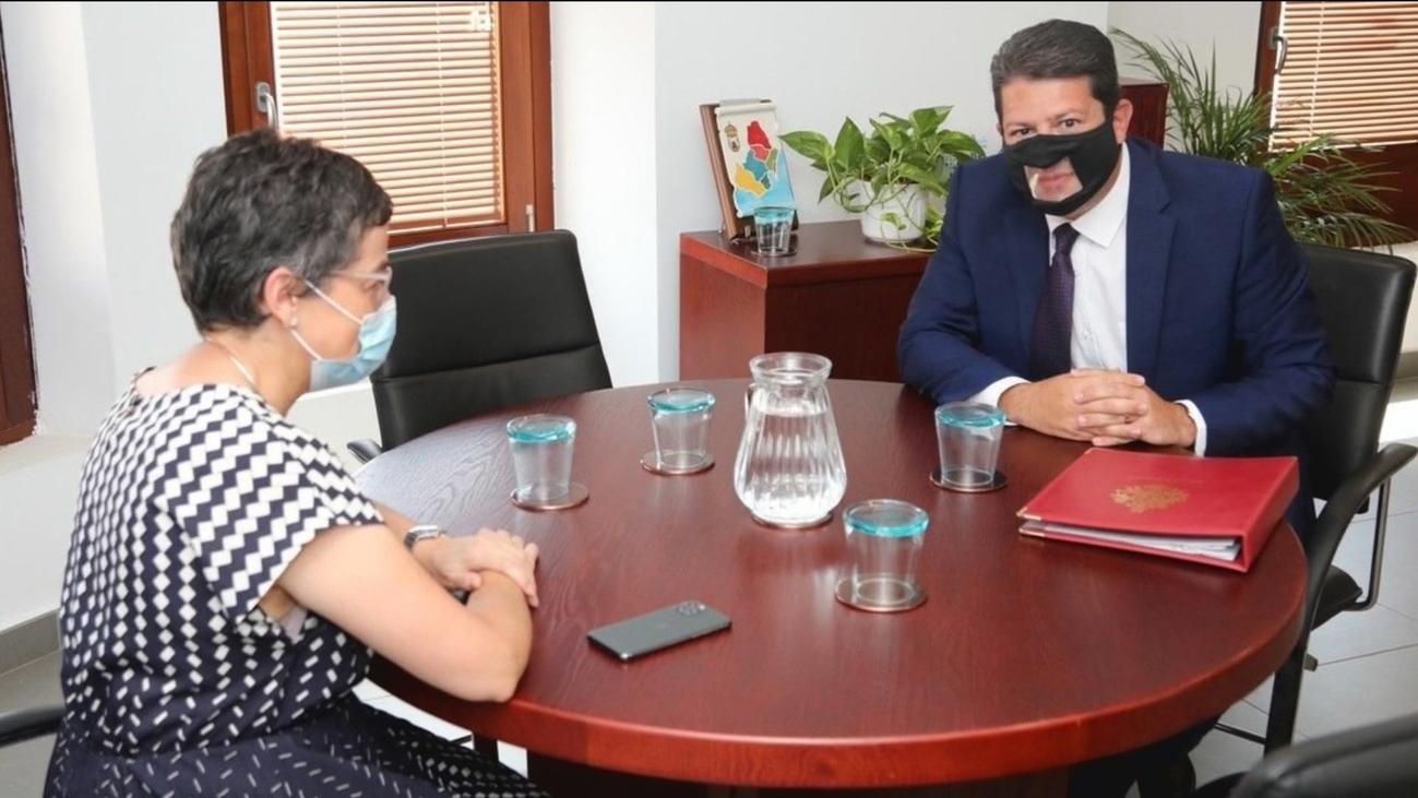 PP, Cs y Vox piden que González Laya explique en el Congreso su reunión con Picardo