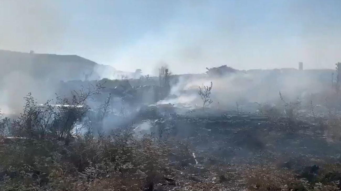 Incendio  de pastos en la Cañada Real Galiana