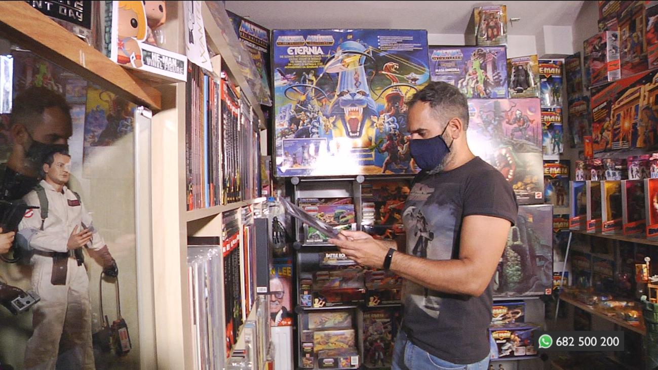 Conocemos a Adolfo, un auténtico coleccionista de juguetes