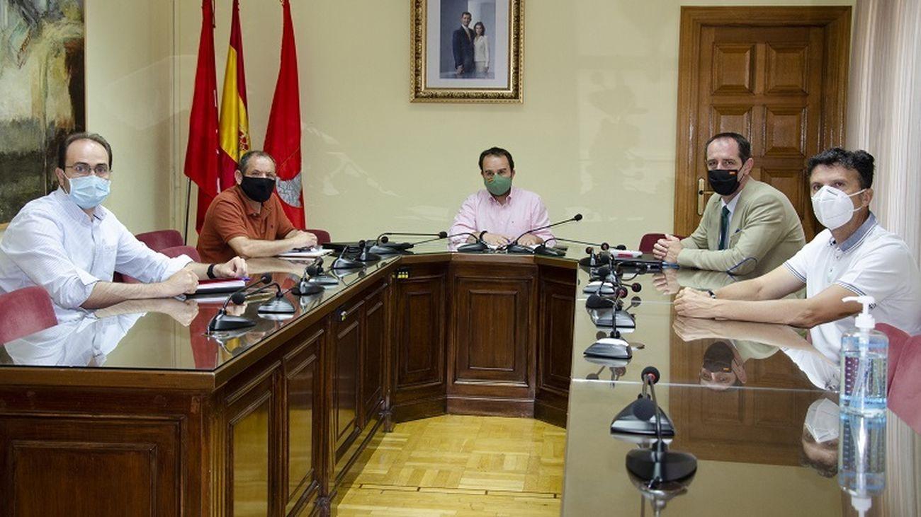 Reunión de los alcaldes de sierra oeste de Madrid