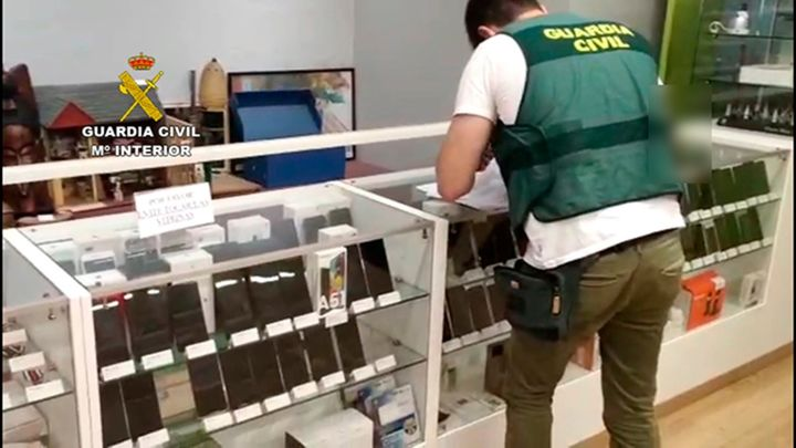 Desmantelada una red de estafadores de la compraventa online con 29 detenidos