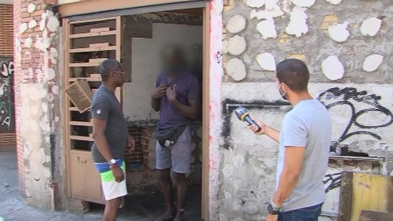 Robos, incendios y reyertas en un edificio okupado en Carabanchel