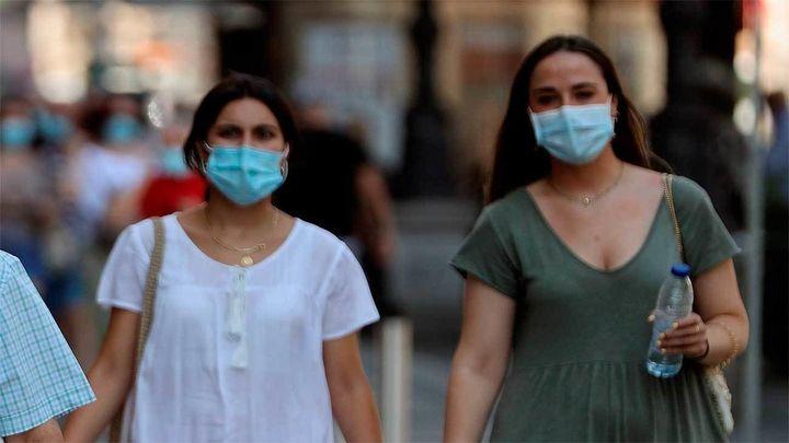 Facua reclama al Gobierno revisar a la baja el precio máximo de las mascarillas quirúrgicas