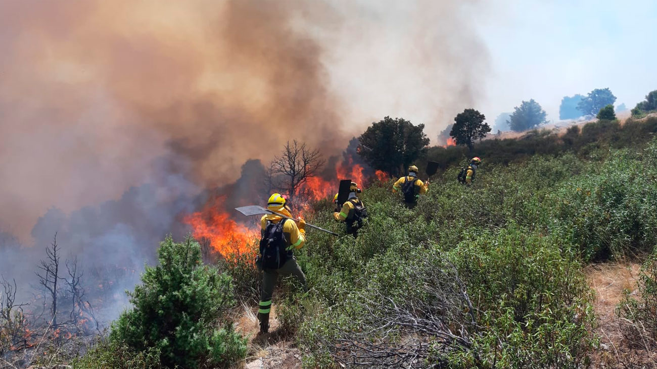 Se eleva a Nivel 2 el incendio forestal declarado en Robledo de Chavela