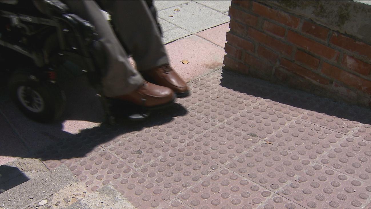 El parque de la calle Antonio Machado no cumple con la normativa de accesibilidad