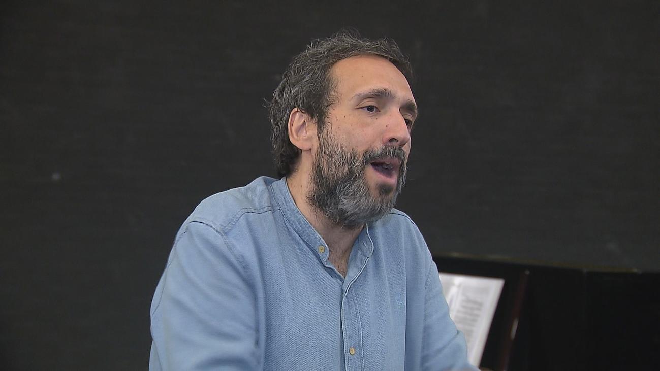 El tenor José Manuel Zapata se desnuda con música y humor con 'Del Revés'