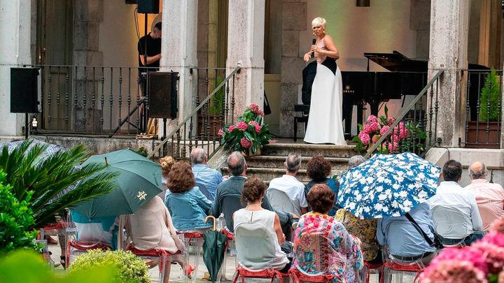 Los conciertos tendrán que respetar cuatro metros de distancia entre artista y público