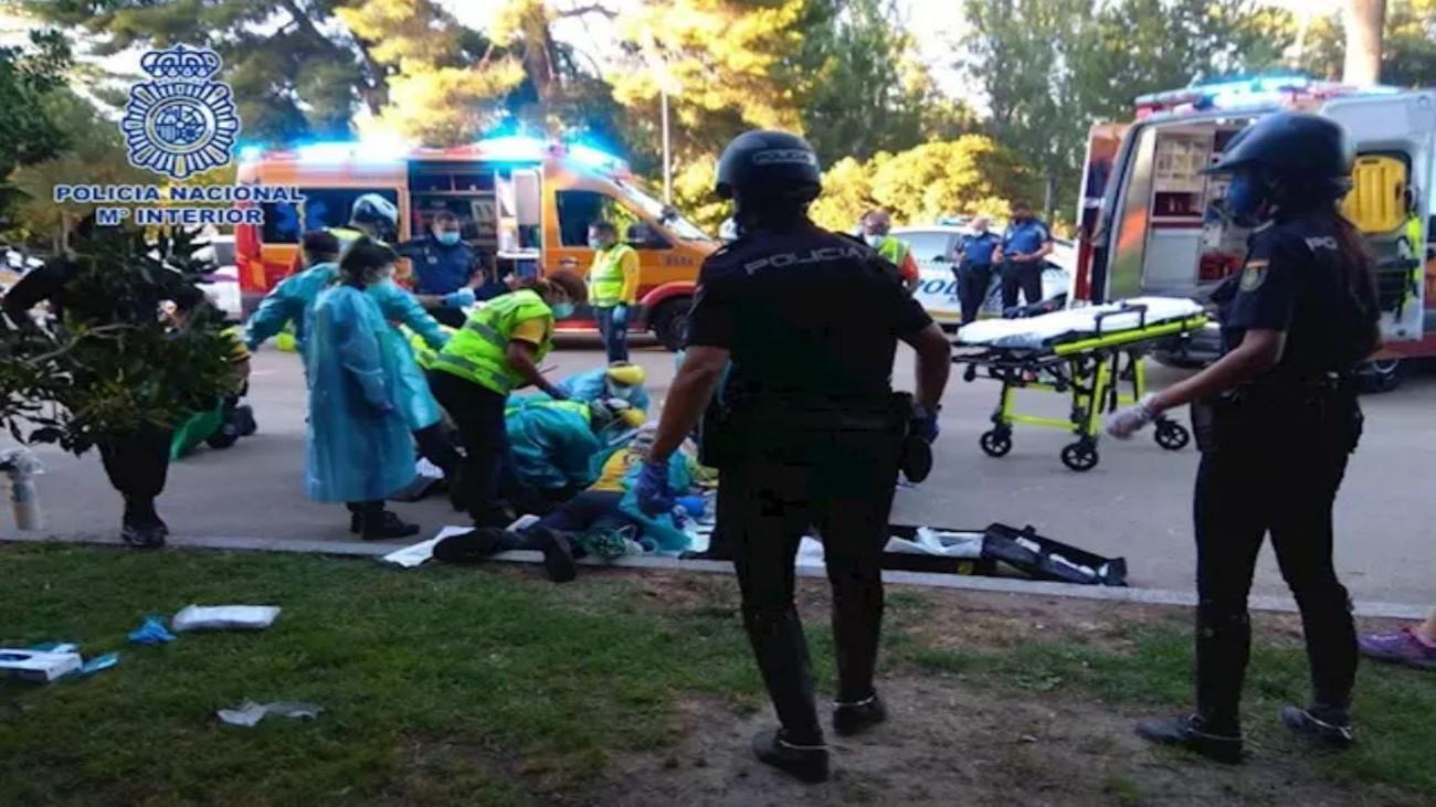 Policía y Samur atiende a un hombre por un infarto en El Retiro