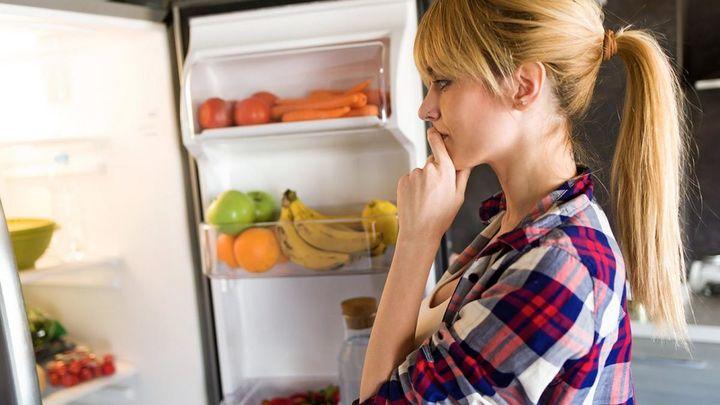 Tomates, sandía, plátanos...¿Qué alimentos no debemos meter jamás en la nevera?