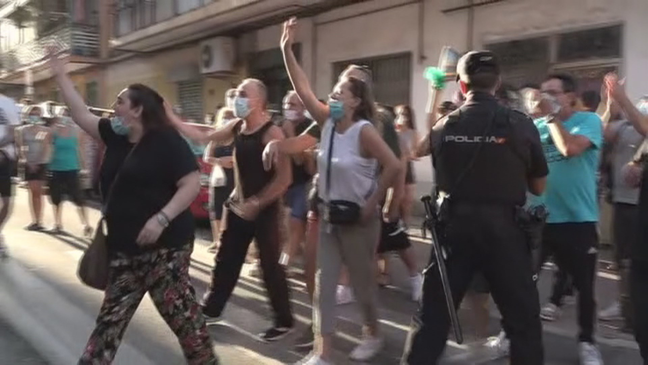 Tensión entre vecinos y 'okupas' en La Fortuna con acusaciones mutuas de inseguridad