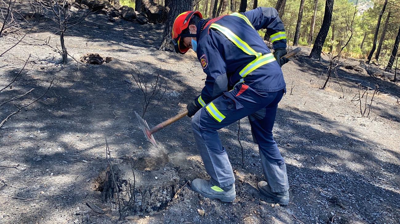 Extinguido el incendio de Robledo de Chavela tras quemar unas 1.000 hectáreas