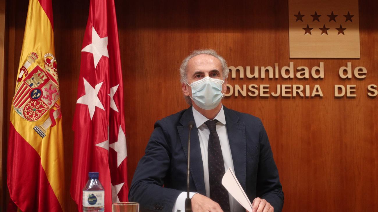 El consejero de Sanidad de la Comunidad de Madrid, Enrique Ruiz Escudero, ofrece una rueda de prensa para informar de la situación actual de la región en referencia al COVID- 19