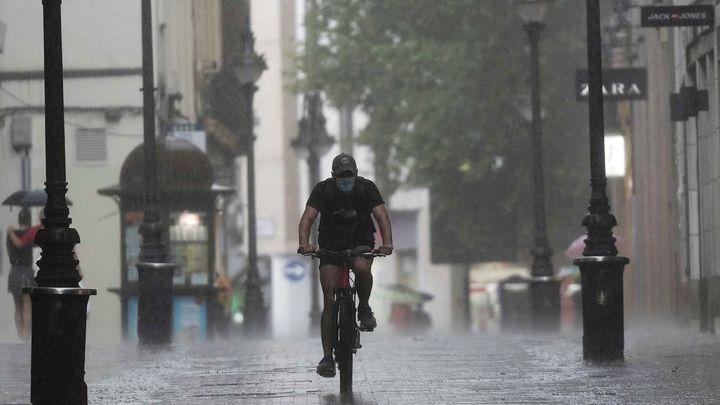 Precipitaciones intensas en Madrid con viento y granizo al menos hasta el miércoles por la tarde