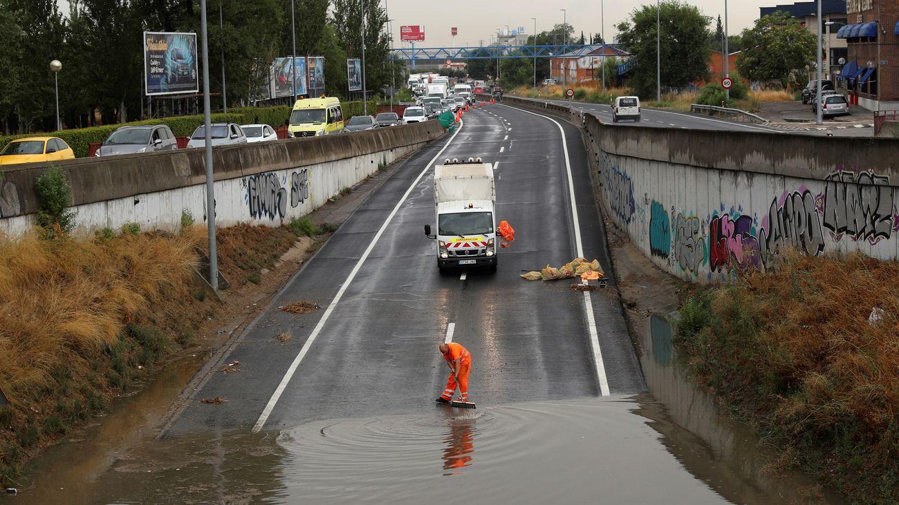 Reabierto al tráfico los dos tramos de la M-506 inundados en Fuenlabrada