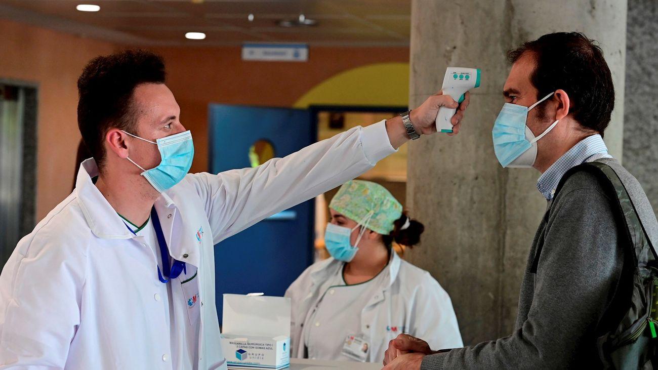 Toman la temperatura a un hombre en el hospital de Alcorcón