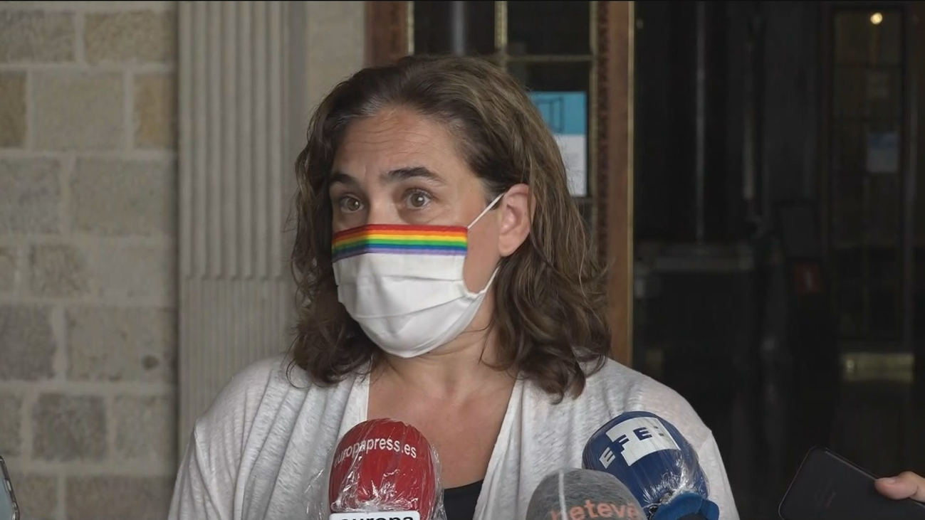 Hacienda trata de sofocar la tormenta con los ayuntamientos por el decreto de superávit