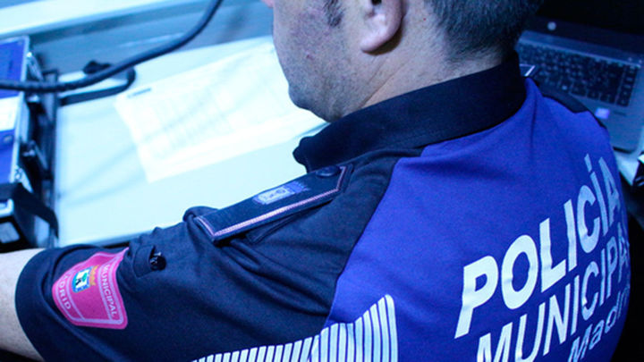 Detenidos en la Gran Vía  por circular sin seguro ni la ITV pasada y con una escopeta recortada
