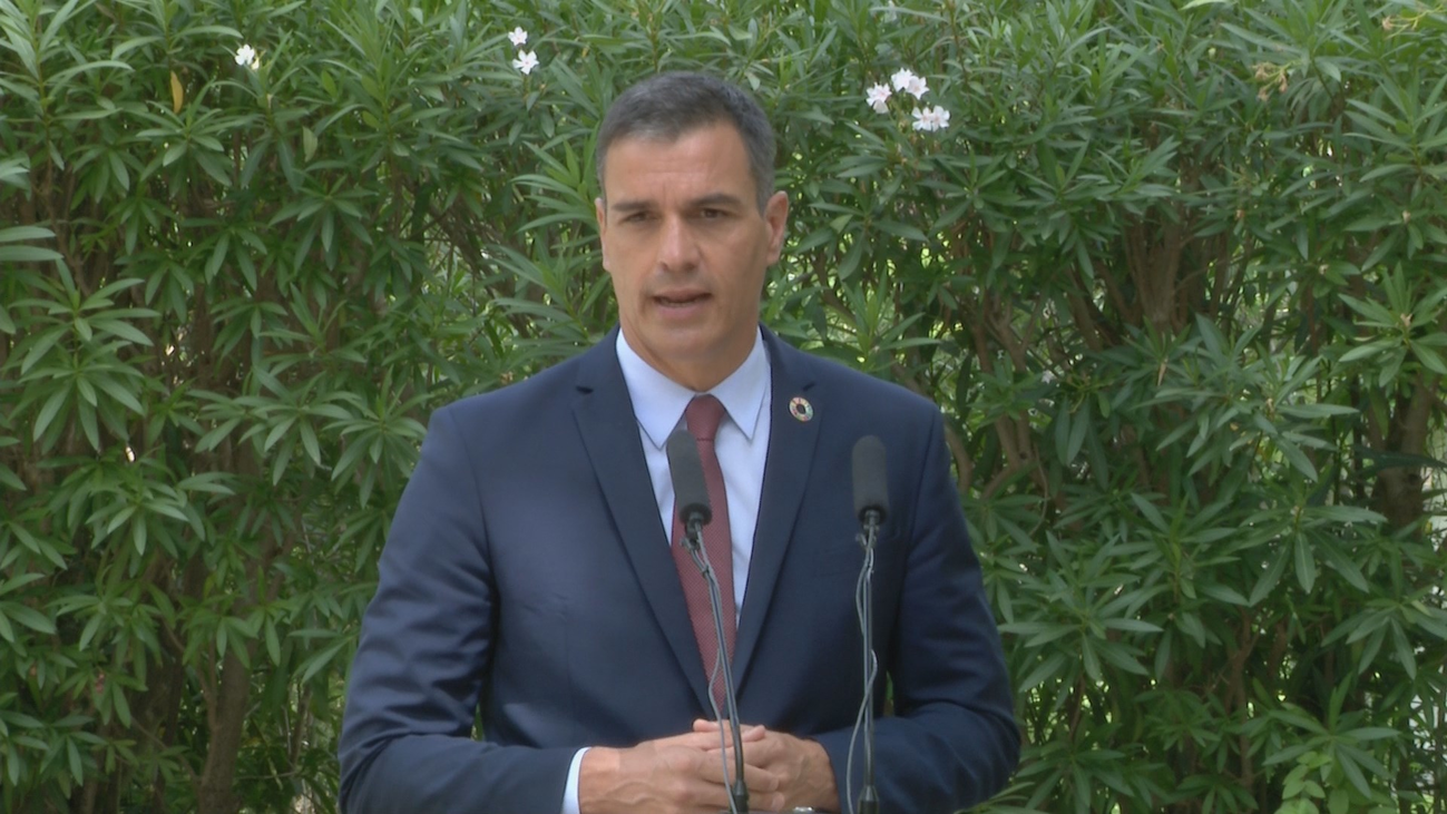 Sánchez se abre a negociar con ayuntamientos  y partidos el decreto sobre remanentes