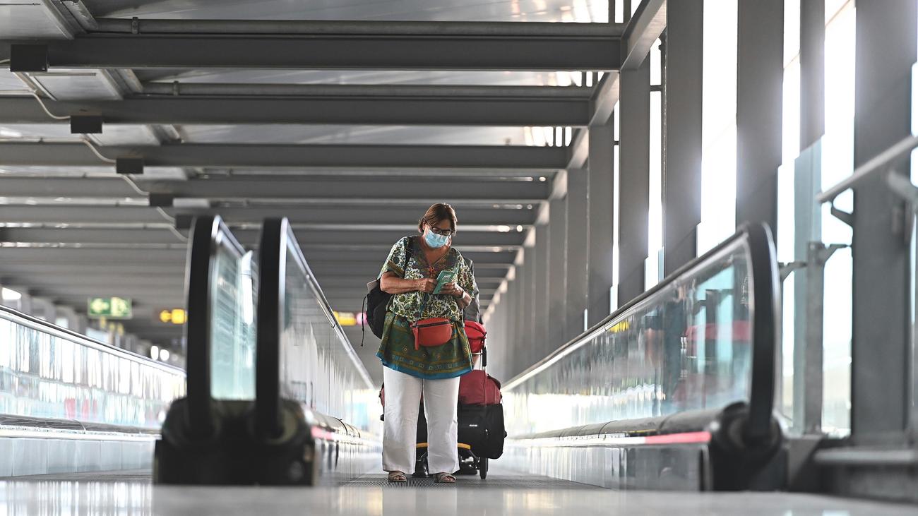 El número de pasajeros en el aeropuerto de Barajas cayó un 83,3 % en julio