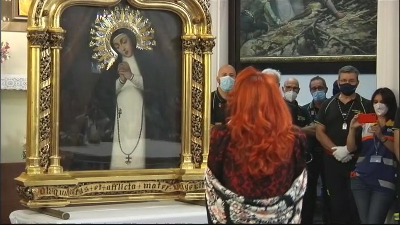 Mari Pepa canta, como cada año, a la Virgen de la Paloma