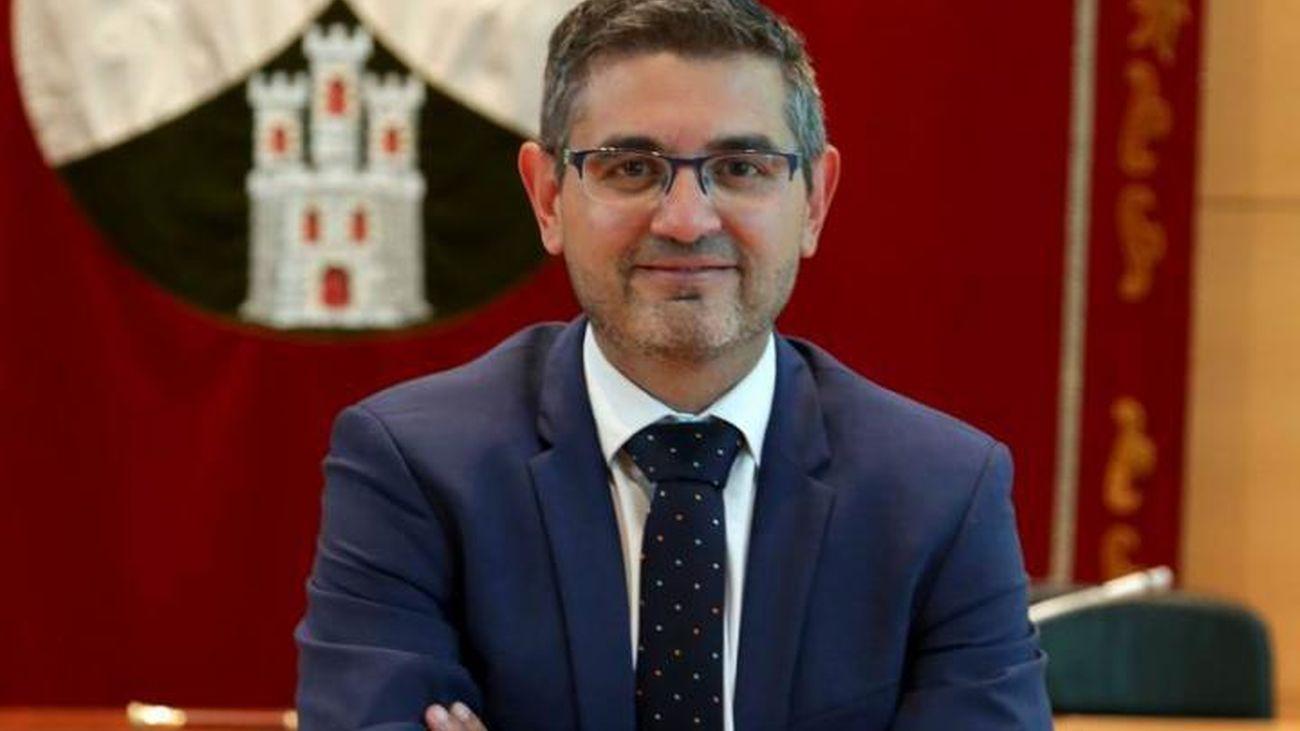 El PSOE pide a Ayuso que coordine con los municipios el regreso a las aulas