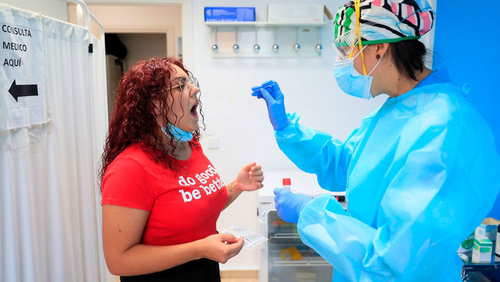 El 3,8 por ciento de las PCR aleatorias realizadas en Usera dieron positivo