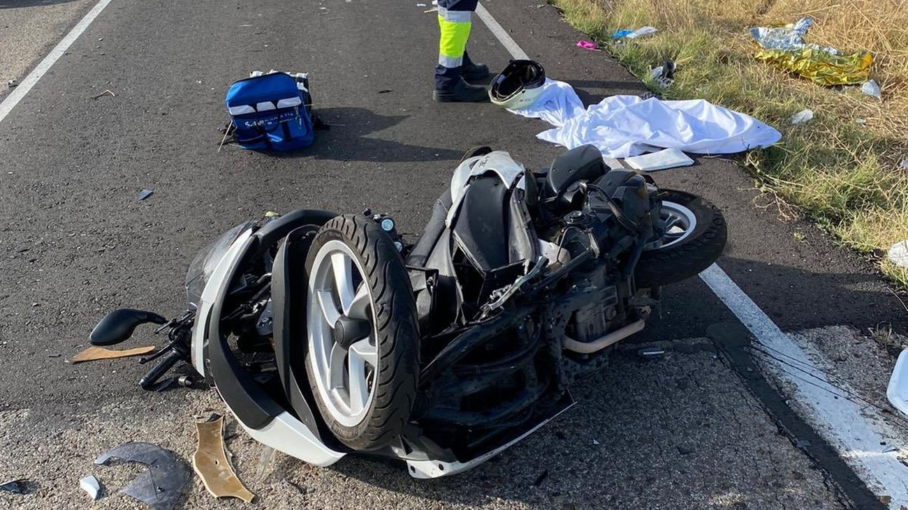 Estado en el que ha quedado la motocicleta tras el choque