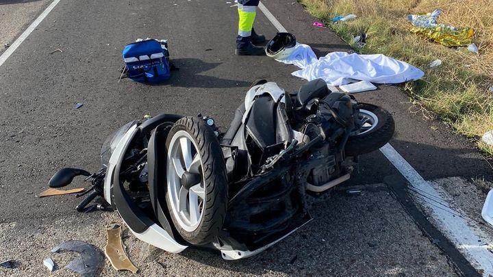 Una motorista, herida de gravedad en un accidente en Casarrubuelos