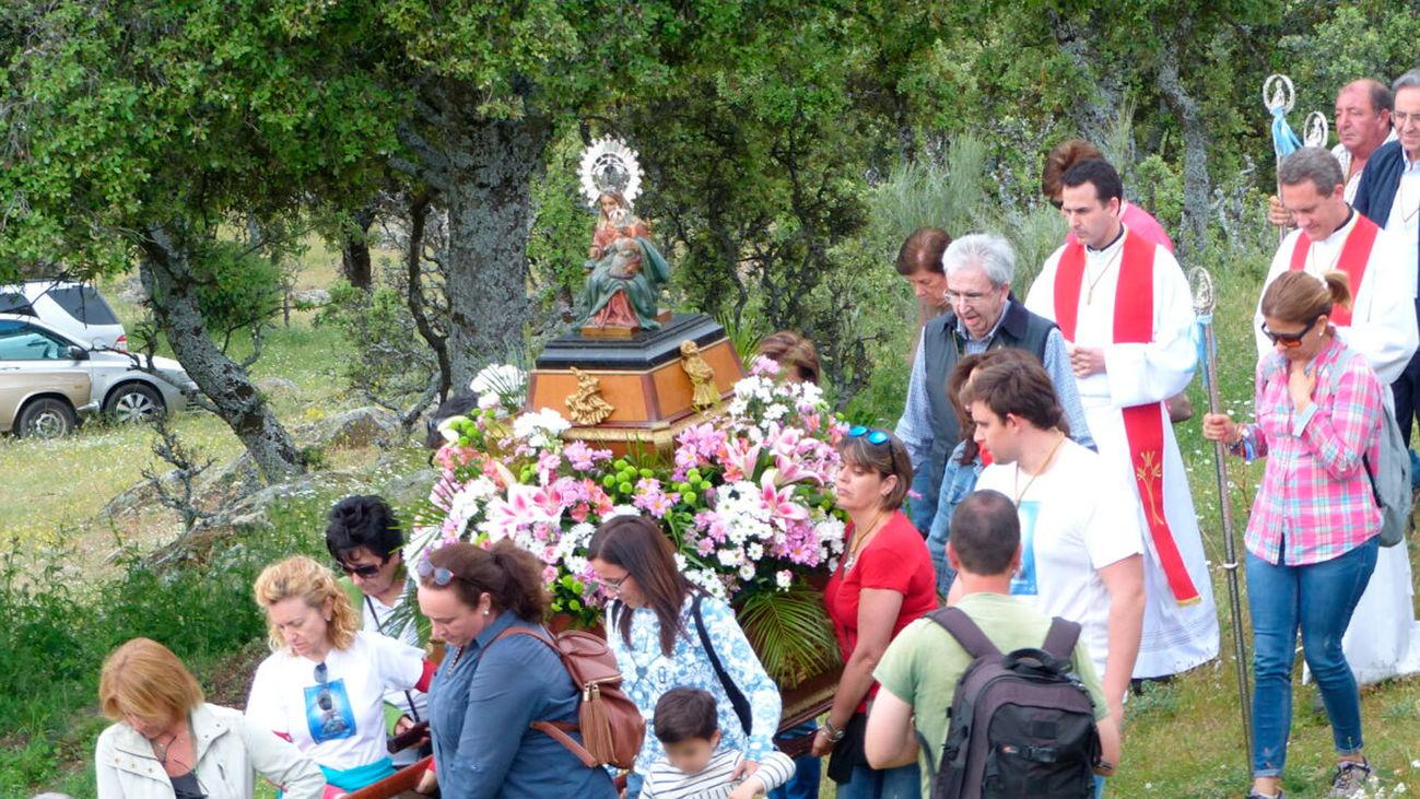 Imagen de la romería dela Virgen de Navalazarza en San Agustín de Guadalix