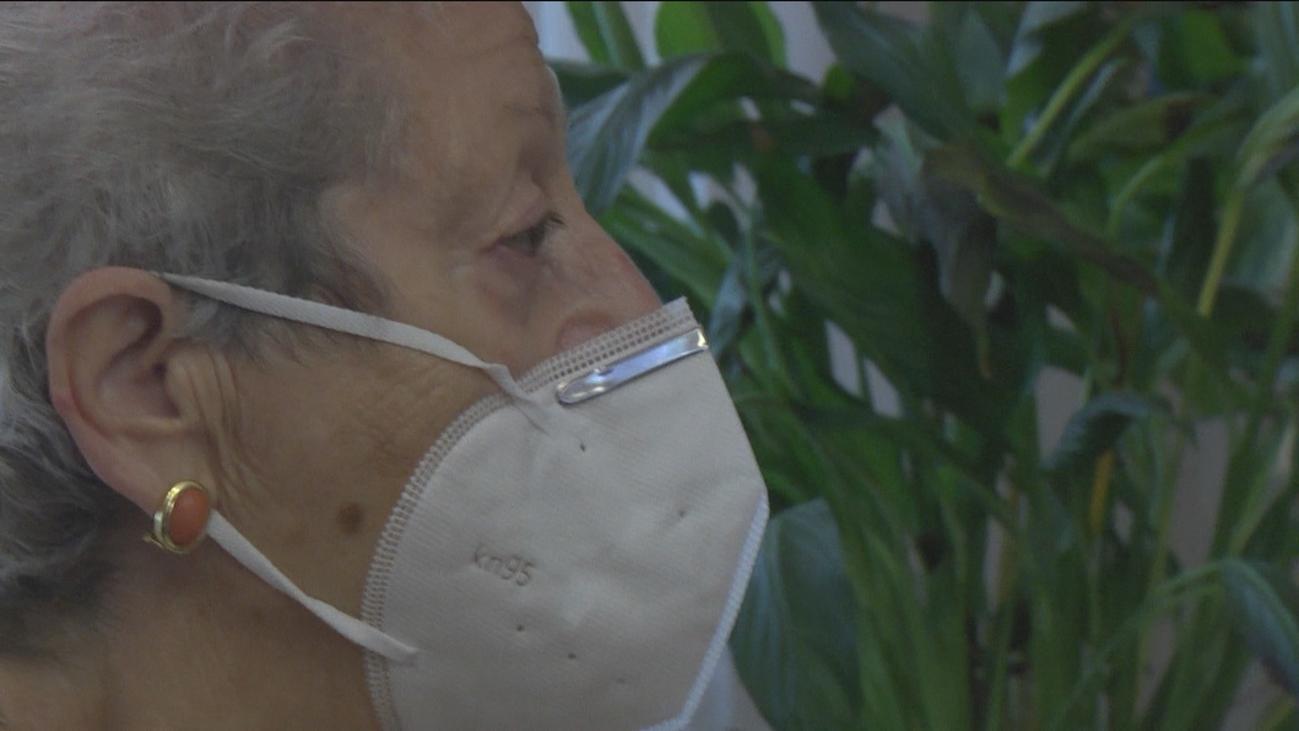 Supera la COVID a sus 80 años, pero pierde a su marido y a su hijo