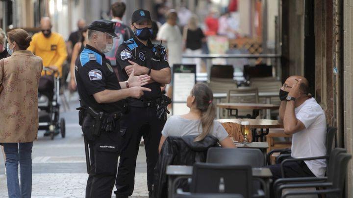 Madrid comunica cinco nuevos brotes mientras baja a 851 el número de positivos en el día