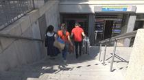Sin ascensores ni escaleras mecánicas en la estación de Carabanchel