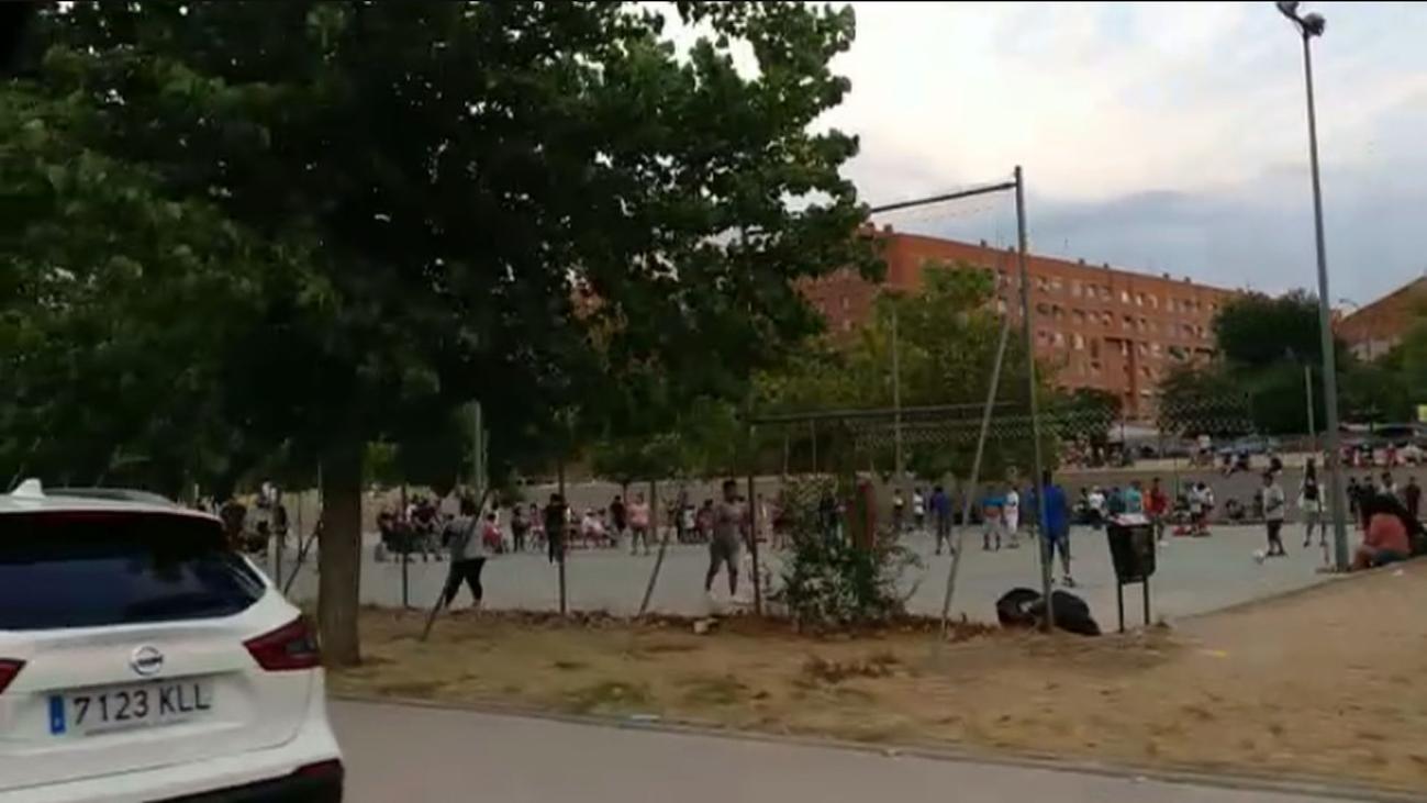 Un vídeo muestra aglomeraciones en las canchas de baloncesto del Pozo del Tío Raimundo