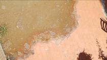 Conviven con humedades y malos olores en un edificio de Aranjuez