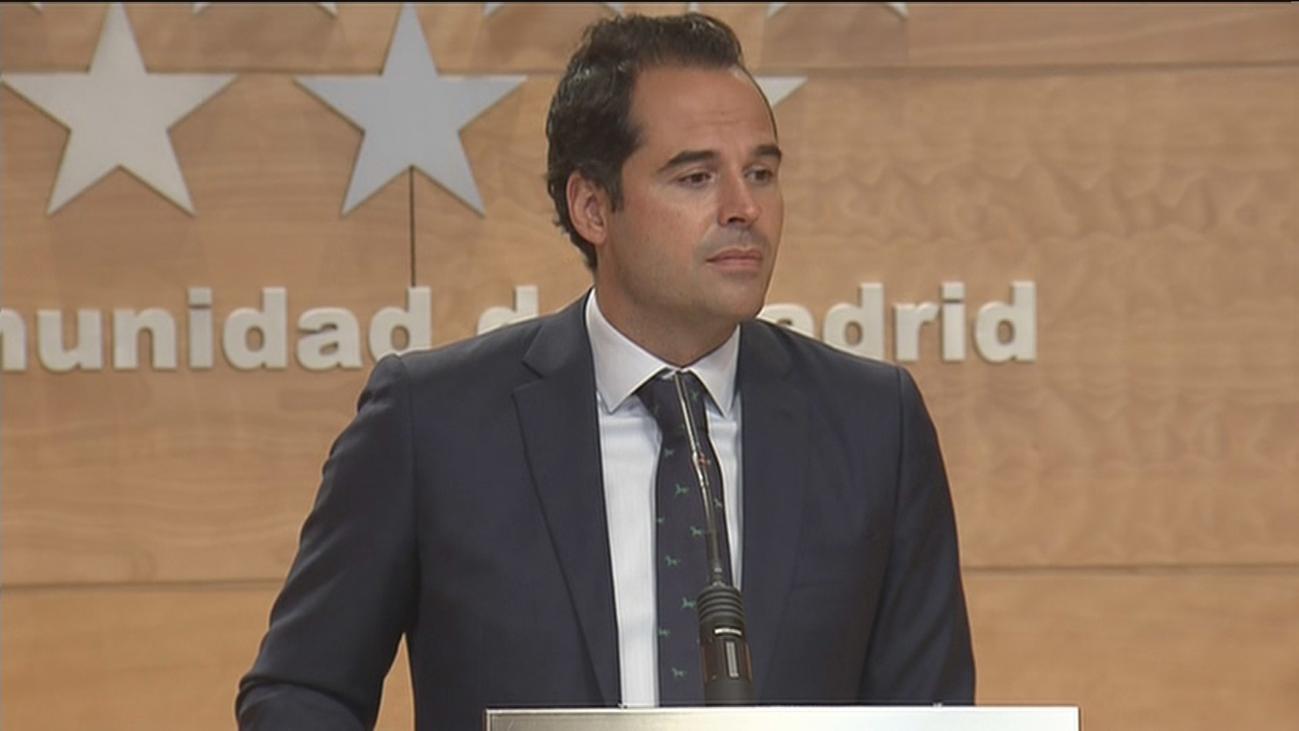 """La Comunidad de Madrid acusa a Celáa de dejar a las autonomías """"a su suerte"""""""