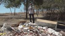 Acumulación de escombros en una senda de San Sebastián de los Reyes