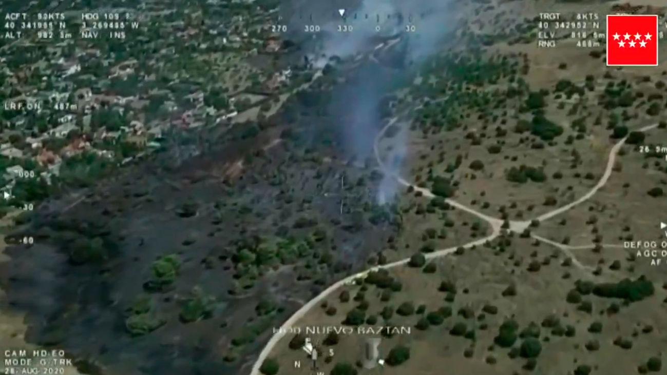 Imagen aérea del incendio en Villar del Olmo, cercano a viviendas de Eurovillas