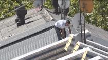 Comienzan a retirar los tejados de amianto en Orcasitas