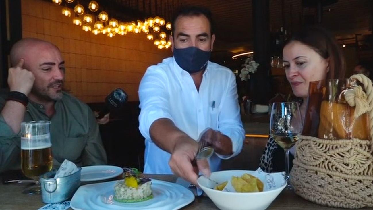 Disfrutamos de un restaurante que nos traslada a Ibiza en El Retiro
