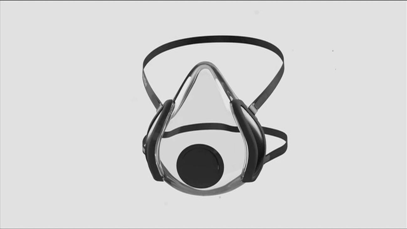 Ingenieros vizcaínos crean una mascarilla transparente con motor para filtrar el aire