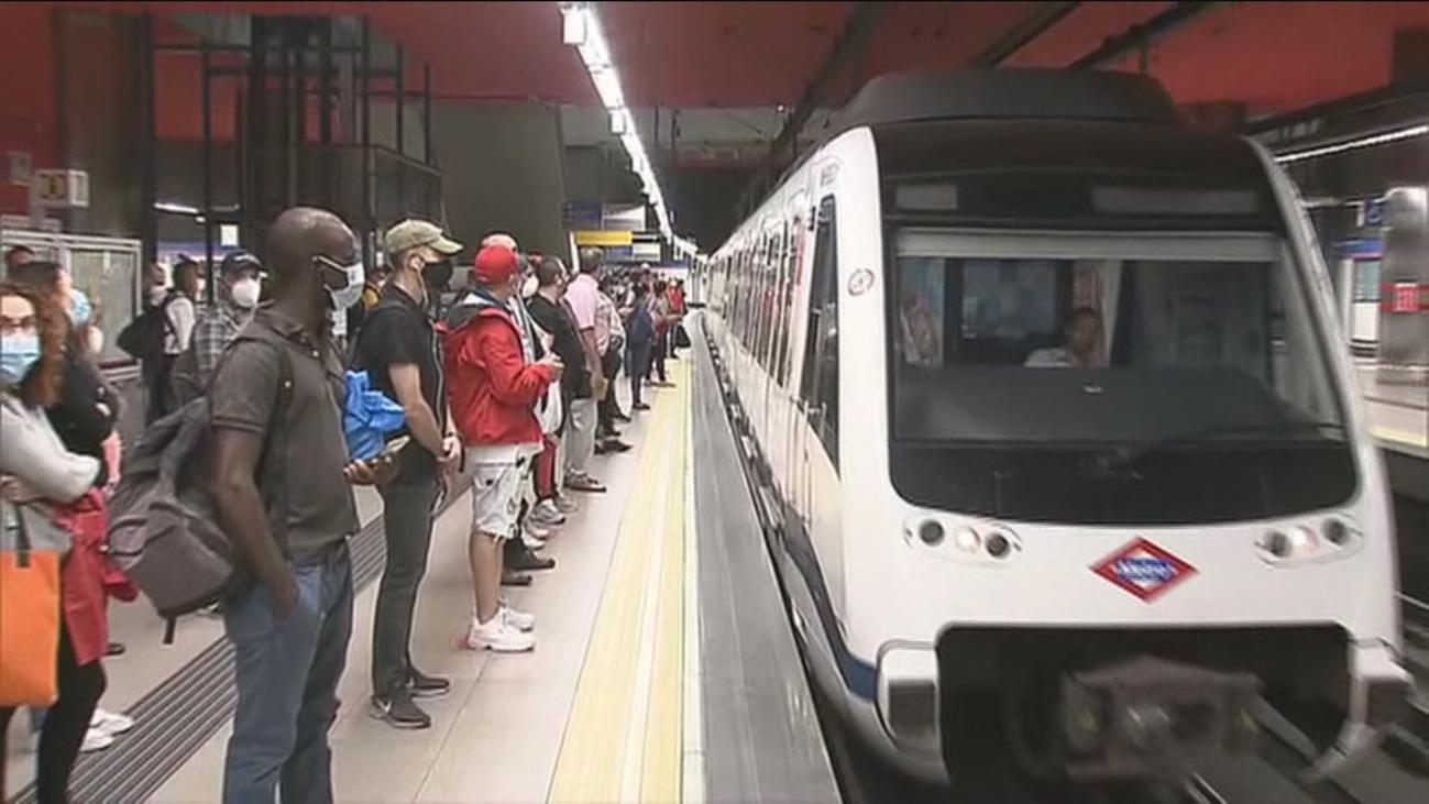 Normalidad y sin incidencias en el transporte público madrileño que crece un 8%  tras el regreso vacacional