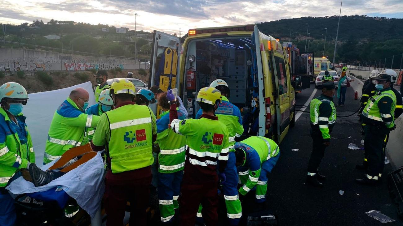 Una UVI móvil del Summa 112 ha trasladado al herido al hospital de la La Paz