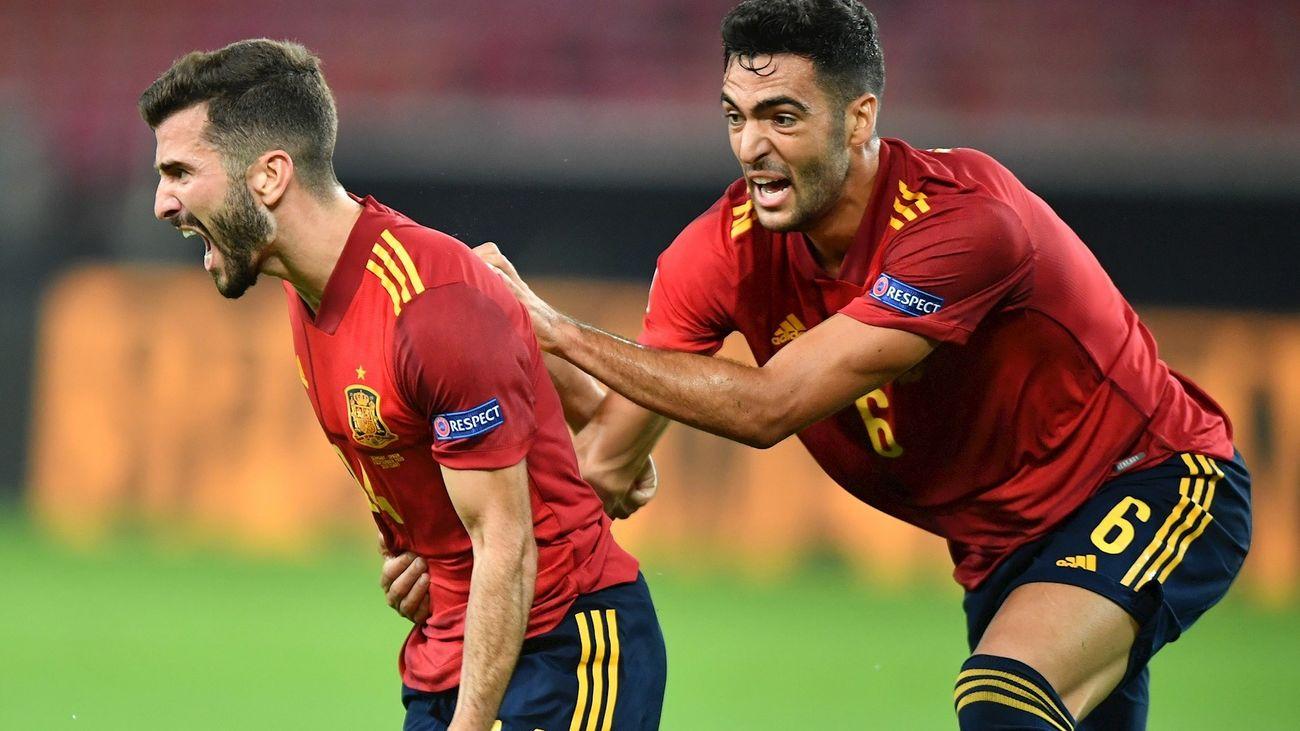 Luis Gayá celebra el gol del empate ante Alemania