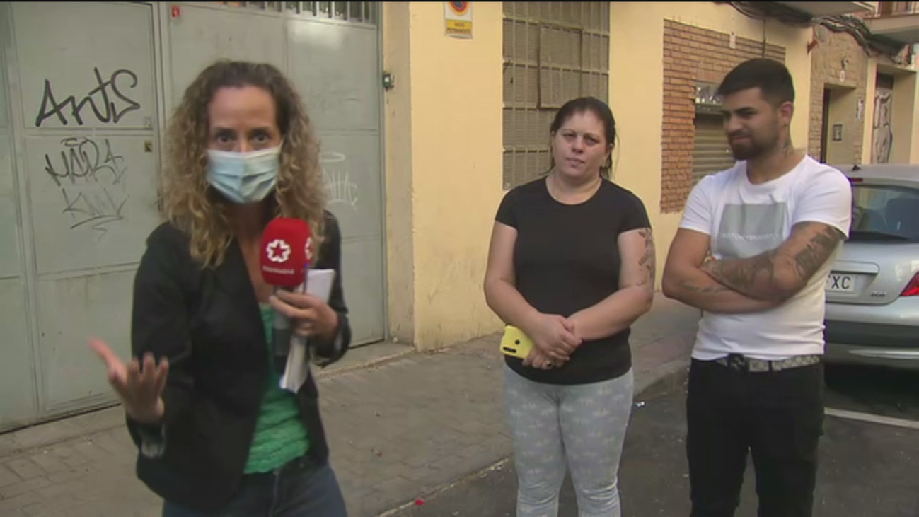 Empotran un coche en Carabanchel tras una brutal pelea con palos y navajas