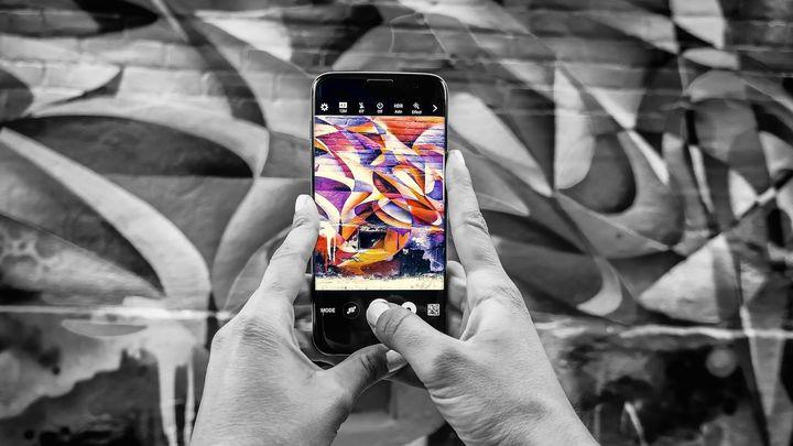 Tu móvil te vigila, ¿por qué tus datos tienen tanto valor?