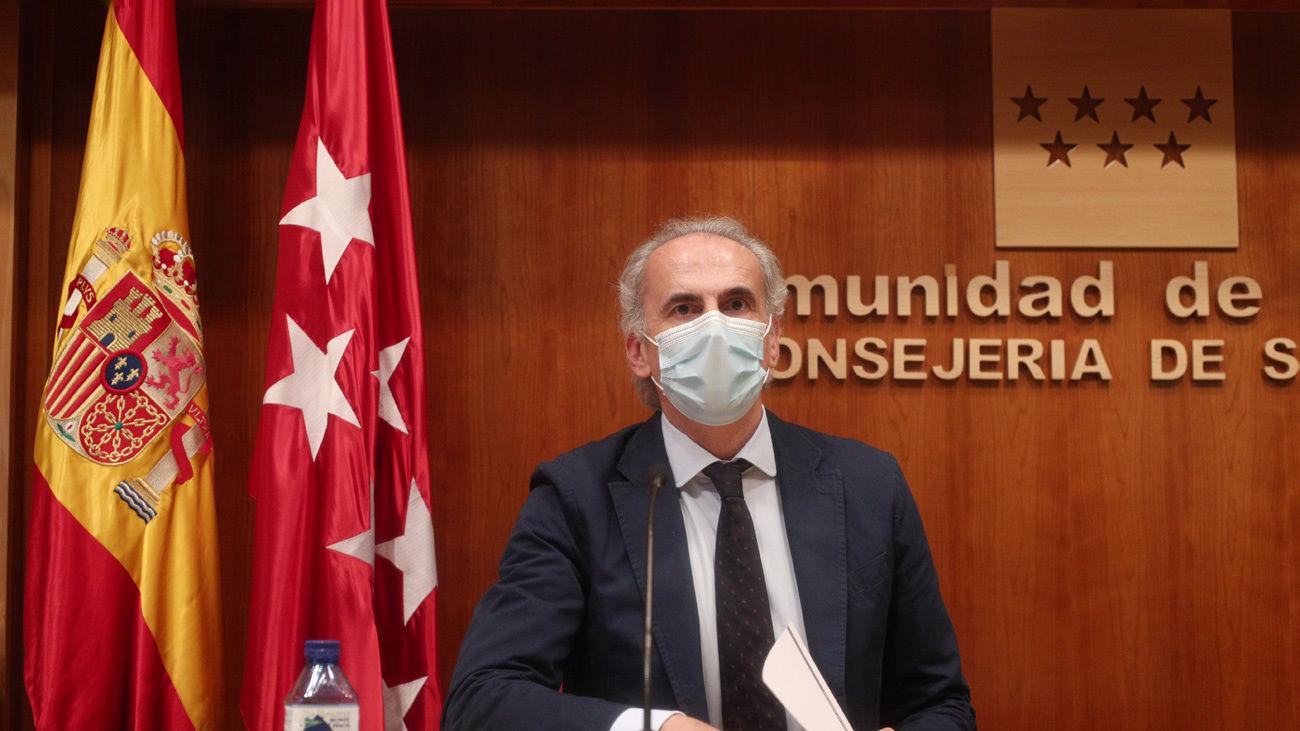 Enrique Ruiz Escudero en rueda de prensa